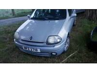 Breaking renault clio