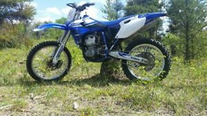 YZ400 dirt bike