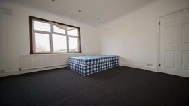 LARGE double room in Enfield *INC ALL BILLS* Parking, Garden, house, 3 bathrooms, Waltham Cross, En3