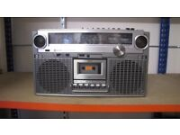 JVC RC828 LB BIPHONIC RADIO-CASSETTE PLAYER