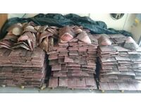 APPROX 600 ROOF TILES