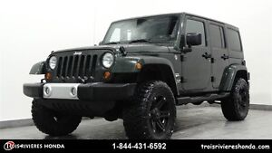 2011 Jeep Wrangler Unlimited Sahara 4WD décapotable