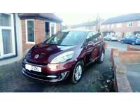 Renault grand scenic 1.5 diesel automatic.7 seater