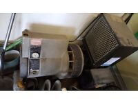Hydrovane Compressor, 23cfm excellent condition very low hours, 3 Phase comes with stand