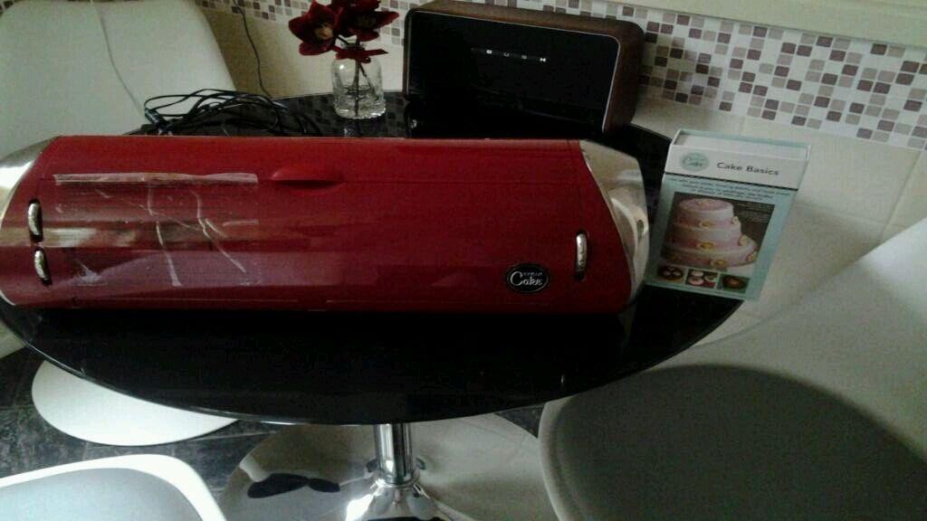 Full size Cricut Cake Machine including cartridge Reduced