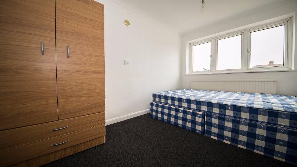 Double room to rent Enfield, INC ALL BILLS/ INTERNET/ COUNCIL TAX! London, Waltham cross, brimsdown