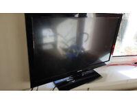 "Toshiba TV 32"" full HD HDMI 2. USB 1. Remote included"