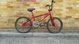 FULLY SERVICED BMX BICYCLE NEARLY NEW CONDITION BICYCLE