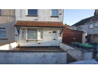 3 Bed House Plus 2 Bed Granny Flat ideal for Family with Elderly Persons