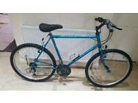 Fantastic 26inch men's Raleigh alaska mountain bike in good condition all fully working