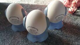 3x dehumidifying eggs