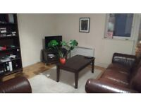 Two dbl rooms avail in furnished modern city centre flat