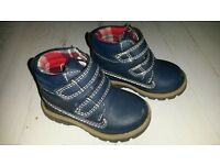 Navy blue boys autumn / winter boots. Size 4