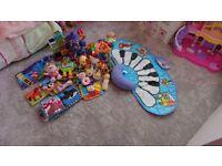 Huge bundle of baby toys 0-12 momths