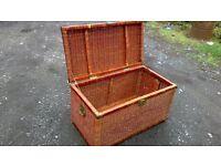 Wicker trunk/storage, ornamental/toy box