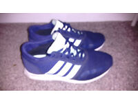 Womens addidas trainers size 5 great condition