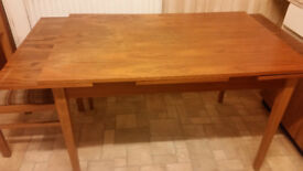 Extending Solid Wood Dinning Table