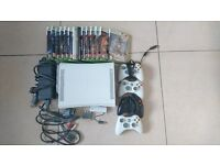 Xbox 360 + 4 Controllers + 14 Games