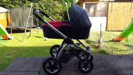Maxi cosi pram and carry cot