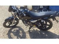 Zontes monster 125cc motorbike like new