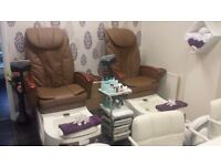 pedicure spa chair and manicure bar to rent in salon