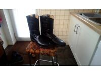 Mens size 10.5 leather boots £10.00