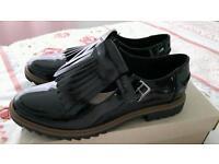 Ladies patent shoes. Clarkes