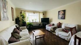 2 bedroom flat in Springwell Road, Hounslow , TW5 9BN