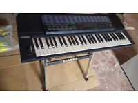 Casio CT-680 Keyboard with stand