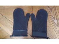 KitchenAid- pair silicone oven mitts