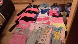 Girls clothes huge bundle age 9-13 from yoker/glasgow