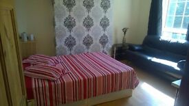 AMAZING ROOM FOR THE BEST PRICE!! Minutes from Liverpool Street!!!!!!