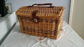 Dome picnic basket - Christmas goodies box
