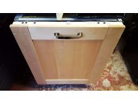 Dishwasher whirlpool, built in, intergrated, excellent condition, serviced