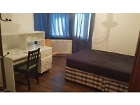 DOUBLE ROOM TO LET IN A SHARED HOUSE.