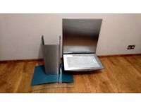 Cooker Hood with Curved Glass Canopy + Splashback in Stainless Steel Very Good, Working Condition