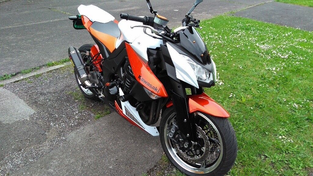 Kawasaki Z1000 In Orange And White