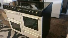BELLING RANGE COOKER IN GOOD CLEAN CONDITION AND CAN BE DELIVERED ANYWHERE