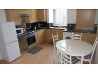 ***SHAWLANDS WELL PRESENTED 3/4. BED FLAT £995***