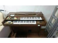 Yamaha electric organ/keyboard