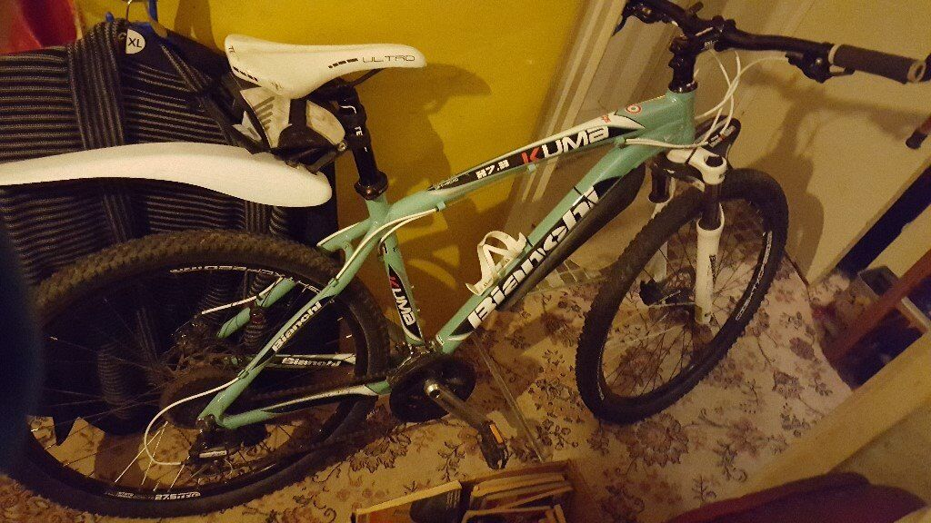 BIANCHI KUMA 27.3 IN BIANCHI GREEN MANY EXTRAS AS NEW WITH DISC BRAKES 24 SPEED