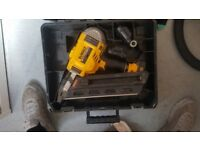 dewalt nail gun brushless 18v