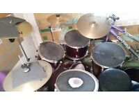 Drum kit with extras (red)