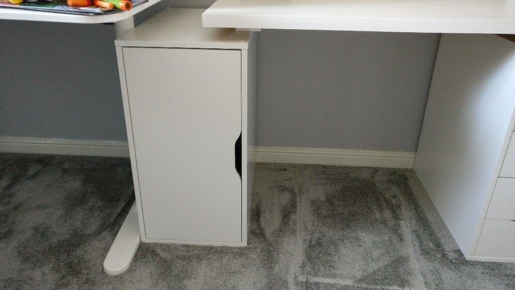 White ikea alex storage unit cupboard in knottingley for Mobile computer ikea
