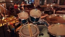 Mapex M Birch Fusion Kit, Pearl B1330 Piccolo Snare inc Cymbals and Hardware