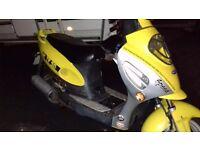 Moped 10months mot