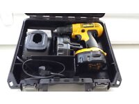 de walt 128 battery drill with spare battery in working order