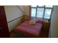 @ Big double room close to Vauxhall Station