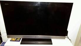 Sony Bravia 32in TV (Full HD LCD, 4 HDMI)