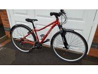 Ladies Pinnacle Cobalt One Hybrid Bike in Superb Condition